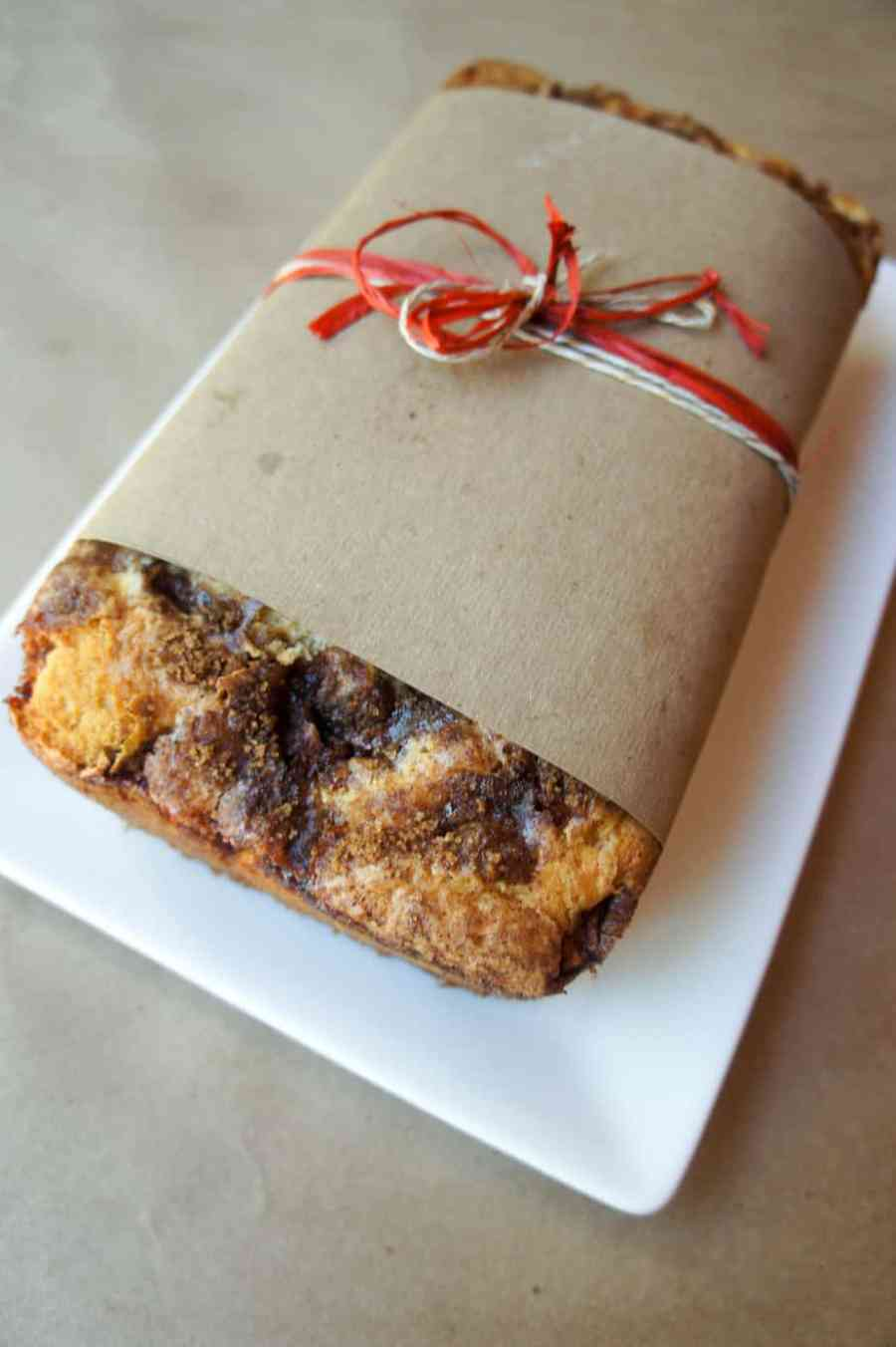 Fall Harvest Apple Bread is the perfect treat for a chilly evening. Serve on Thanksgiving with family or as a baked goods gift!