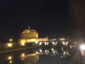 ローマで早朝ランサンタロジェ城
