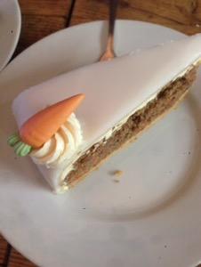 フランクフルトのお薦めカフェCafe Opitzキャロットケーキ