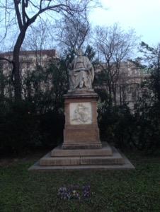 ウィーン早朝ラン、ウィーンシューベルトの銅像