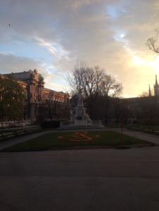 ウィーン早朝ランモーツァルトの銅像