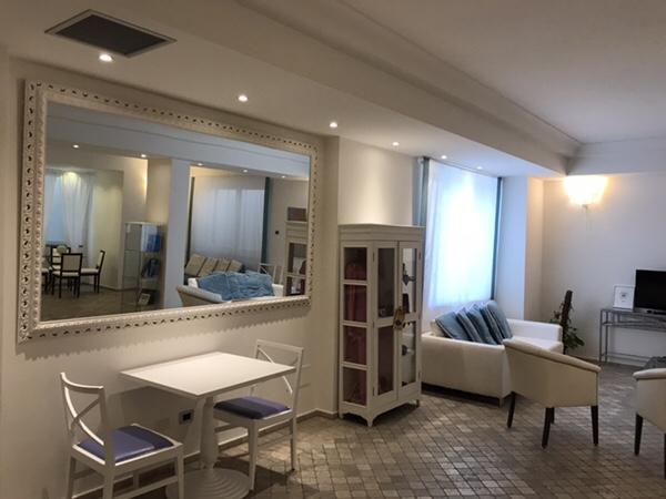 Hotel Mea 滞在記ホテルの待合室1
