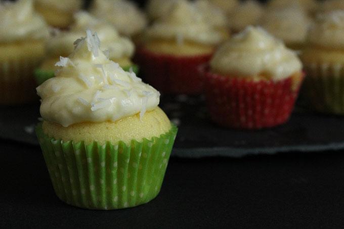 Zitronen-Kokos-Cupcakes