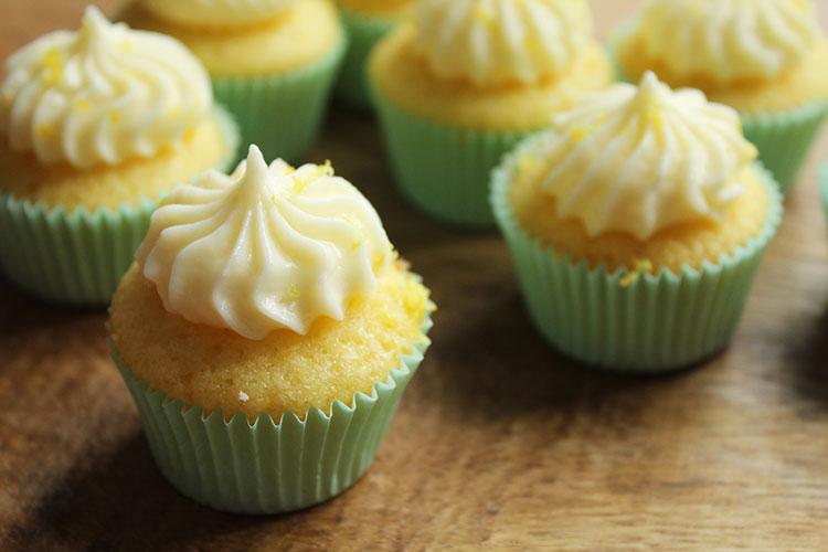 Mini Cupcakes Zitrone