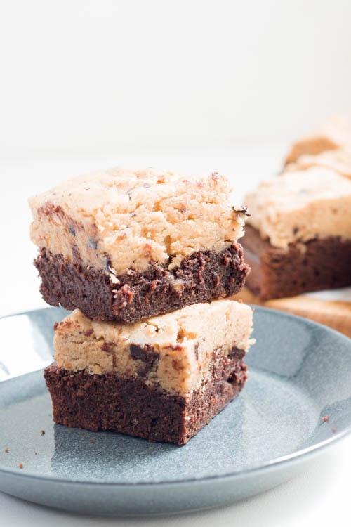 Rezept Brownies mit Erdnuss Cookie Dough Keksteig