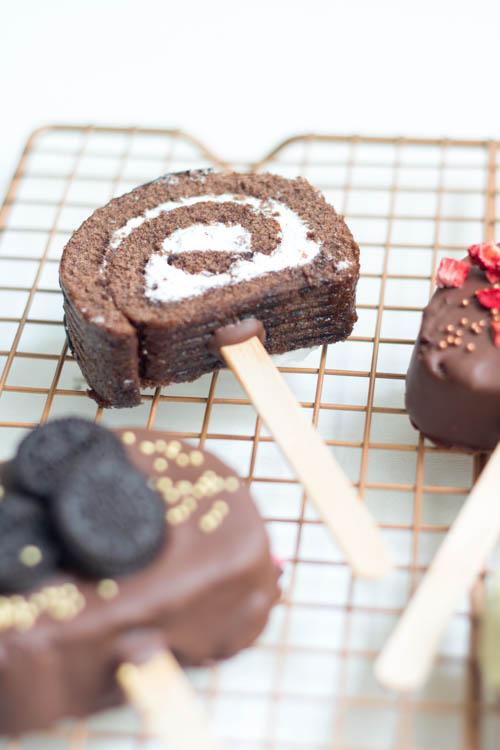 Rezept Biskuitrolle Cake Pops am Stiel