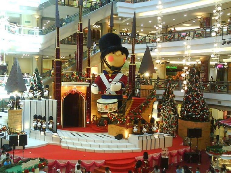 Christmas traditions - mall decorations