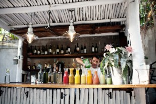 Bar-at-Seating-at-Hartwood-Restaurant-in-Tulum-700x466