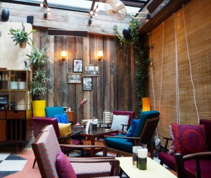 f-dishoom-carnaby-london-sixties-indian-restaurant-verandah-2-620x521