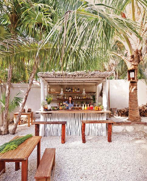 hartwood-restaurant-tulum-mexico-bar
