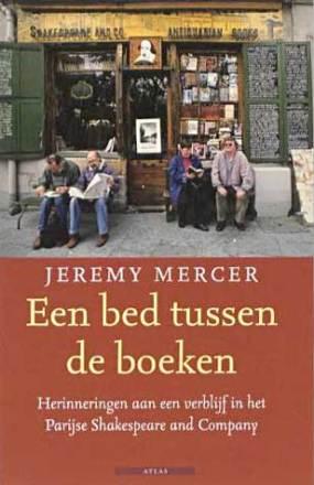 Mercer-Bed_tussen_boeken