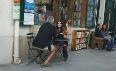 Shakespeare_and_Company,_Paris_30_July_2011