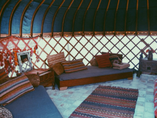 yurt-interieur