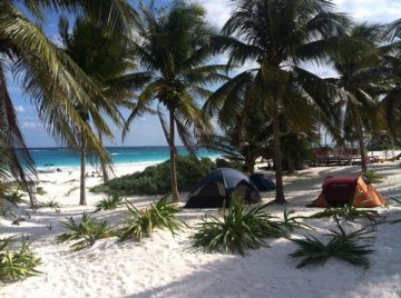 6697371-Beachside-camping-in-Tulum-0