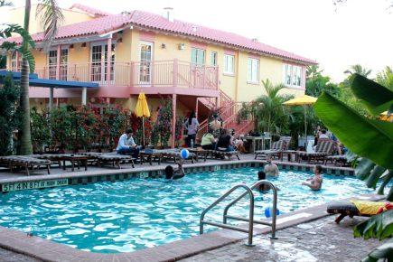Freehand-Miami-Hotel-Hostel-Pool-Restaurant