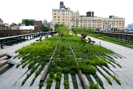 High Line, former train tracks, but soon to be opened as a park, on the West Side of Manhattan, runs between W. 20th and Gansevoort St. A view looking south toward the DEA building, rear. Original Filename: HighLine090602ag_026.JPG
