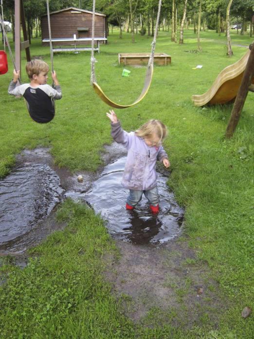 vakantiefoto's in de regen: camping de Drentsche Roos te De Wijk