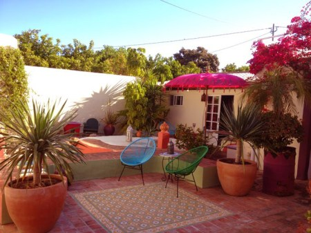 courtyard_relaxing_romantic_atmosphere_portugal