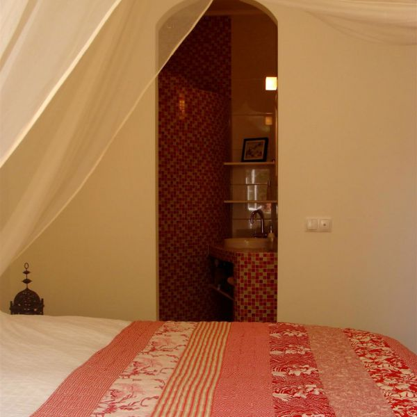 tweepersoonskamer_met_en_suite_badkamer_bij_bed_and_breakfast_o_tartufo_portugal__large-1
