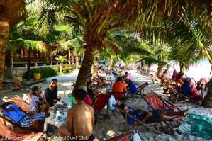 Thailand_Koh_Samet_Sai_Kaew_Beach_Thai_tourists_2913_1