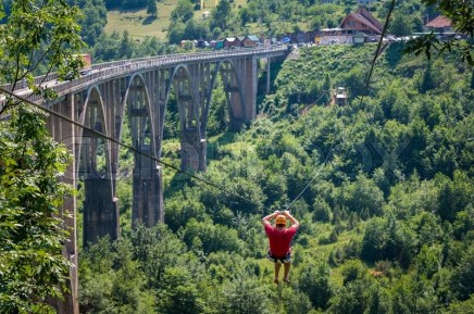 17932747-djurdjevic-bridge-zip-line-over-the-tara-river-canyon