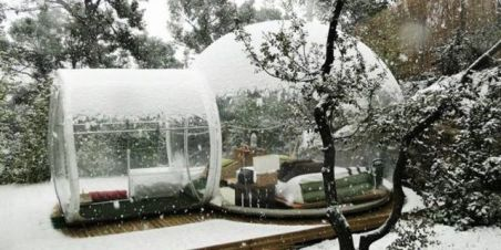 landscape-1456508895-bubble-tent-snow