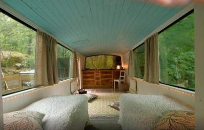 bus-converted-cabin-rooftop-deck-012-600x382