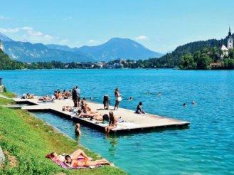 bled-jezero-plaza_biggalleryimage