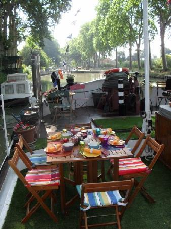 breakfast-on-terrace