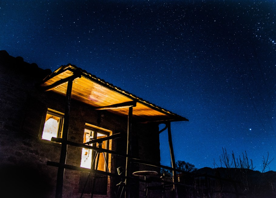 Rooms-Cottage-Sambuco-by-night
