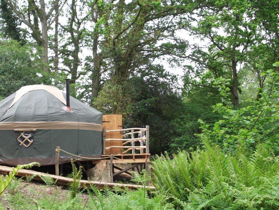 guy-mallinson-crafty-camping-poppet-yurt-11