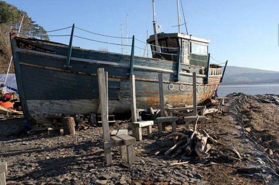 smugglers-cove-boatyard-snowdonia-gwynedd-large-3