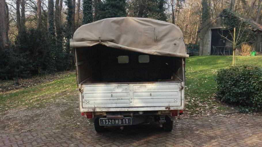peugeot-404-pickup-9-1600x900