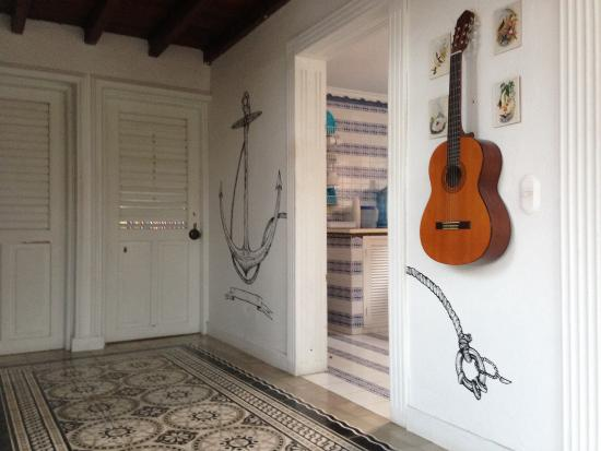 galeria-isla-eco-hostel-1