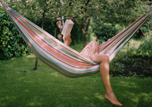 reading-book-in-hammock11