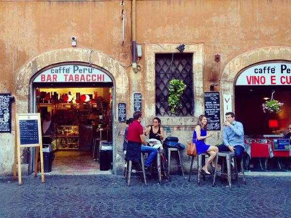bar-caffe-peru-rome-by-livia-hengel