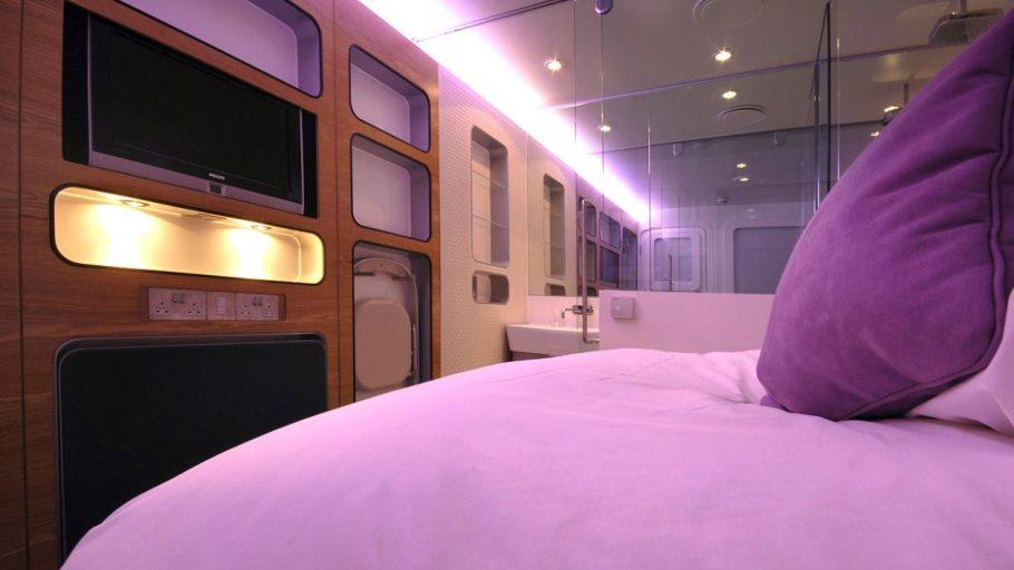 yotelair-premium-cabin-bed-closeup-1280x720