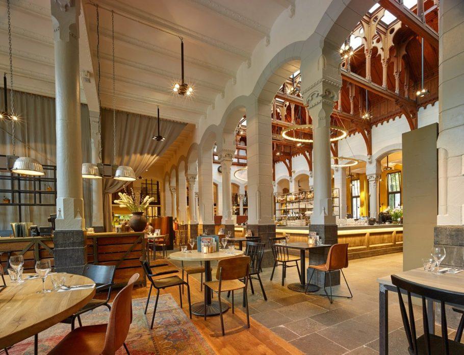 Post-Plaza-Hotel-Grand-Cafe-2