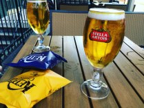 Och chips och dricka öl...