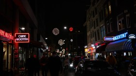 As the Netherlands basically celebrates Christmas twice a year (once on December 5th for Sinterklaus and then again on December 25th with the rest of the world), the city was already in full Christmas-gear when I arrived at the end of November.