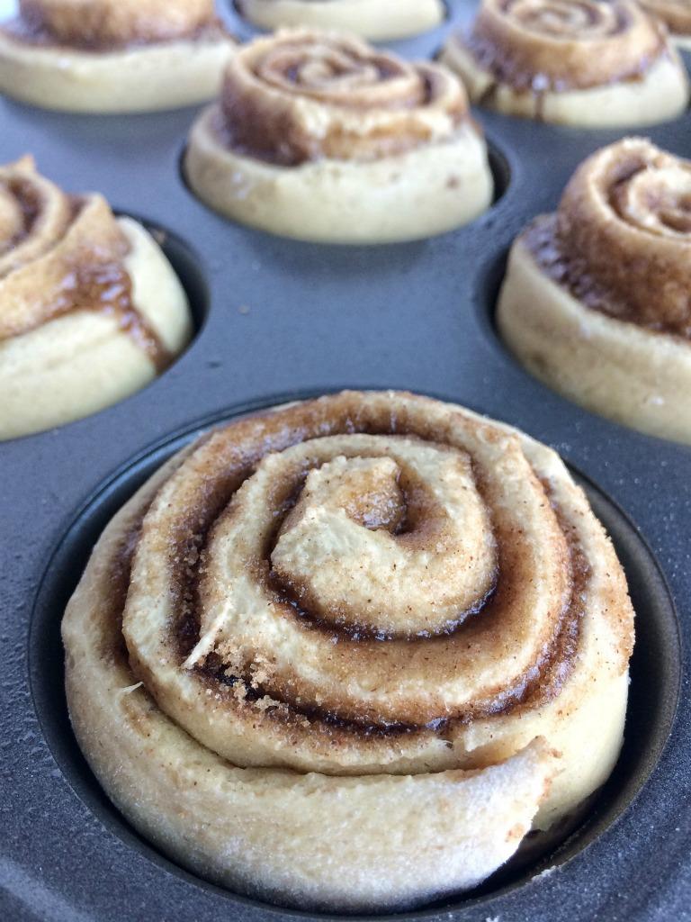 Yeast buns: recipe, photo. Muffin dough for buns 30