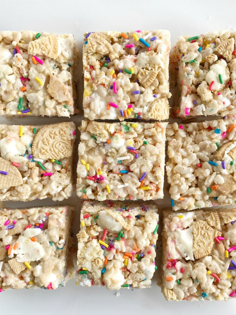Golden Oreo funfetti rice krispie treats are loaded with gooey marshmallow, krispie cereal, funfetti sprinkles, and chunks of Golden Oreo cookies. An addictive treat that you won't be able to stop eating!