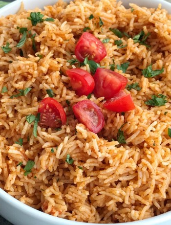 Instant Pot Mexican Rice | Instant Pot Mexican rice is the perfect side dish to any Mexican food! Perfect for burrito bowls, side dish, inside burritos, or on top of nachos! Fluffy and flavorful Mexican rice is made in the Instant Pot with only a few simple ingredients. #instantpot #instantpotrecipes #mexicanrice #mexicanfood #mexicanfoodrecipes