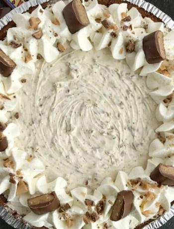 {no bake} Heath Toffee Cheesecake Pie