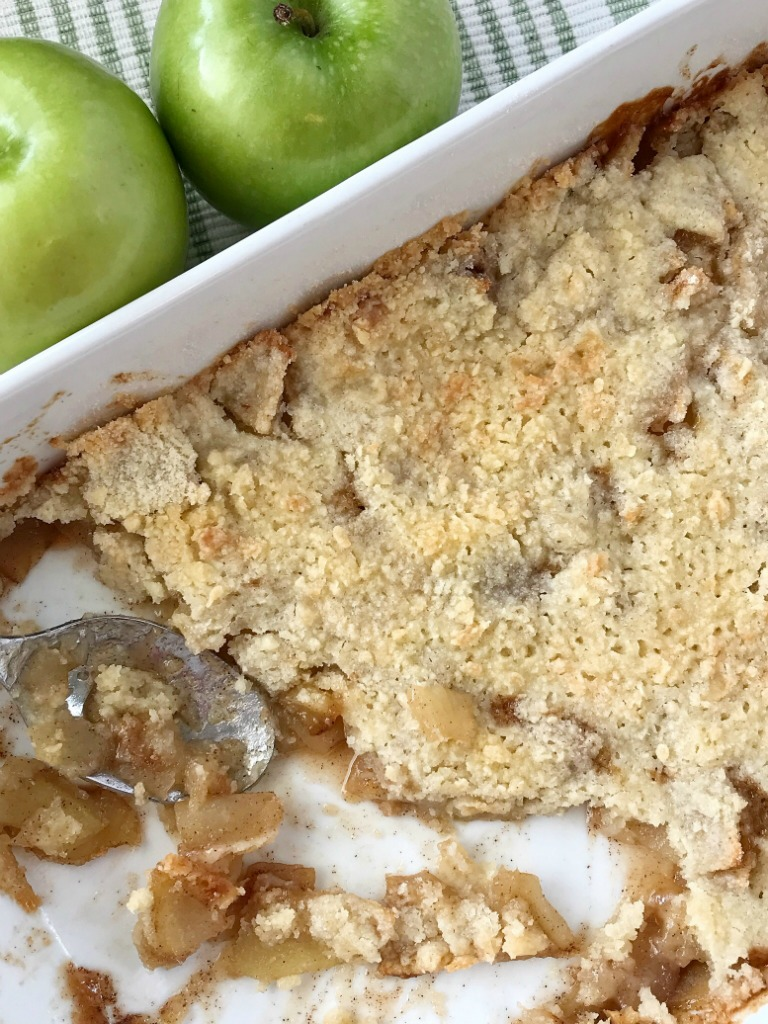 Simple Apple Crisp Recipe   Apple Crisp   Apple Dessert   Simple apple crisp is a quick & easy apple crisp recipe. Soft apples with a sugar shortbread topping. Simple ingredients and easy enough for anyone to make. Serve with a scoop of ice cream for the best dessert. #applerecipe #apples #appledessert #applecrisp #easydessertrecipe #easyrecipe