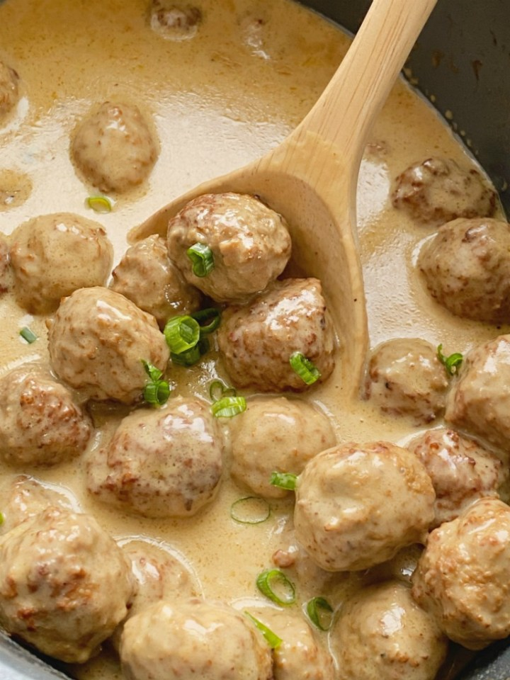Easy Slow Cooker Swedish Meatballs