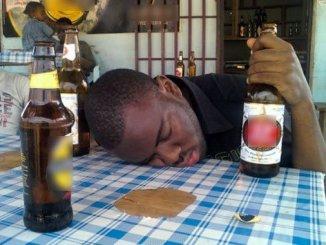 alcool Covid-19: fermez les bars !