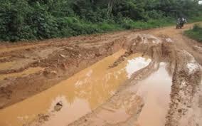 téléchargement 3 Tronçon Badou-Kpété-Bèna : Route du cacao, route de calvaire