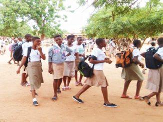 eleves Togo: les élèves absentéistes désormais privés d'examens