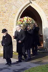 tony-harts-funeral-ppuk001